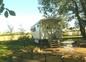 terrasse et jardin clos privé de la roulotte de shanti