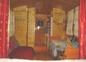 ntérieur roulotte de shanti  vers la porte