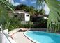 Bungalow et piscine