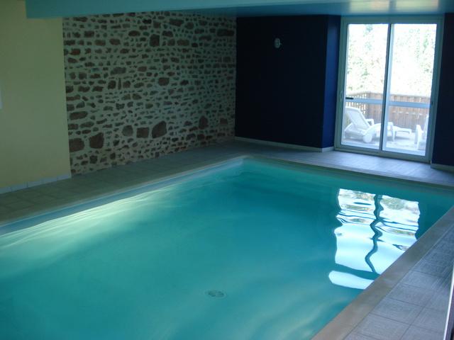 G te les hortensias gite piscine basse normandie manche - Gite piscine interieure normandie ...