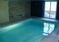 La piscine intérieure privée des Hortensias