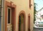 maison coté rue et place