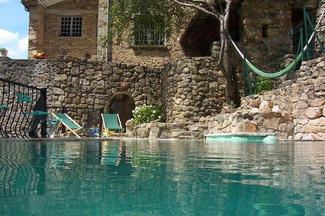 G te g tes de la perge haute gite piscine rh ne alpes for Ardeche gites avec piscine